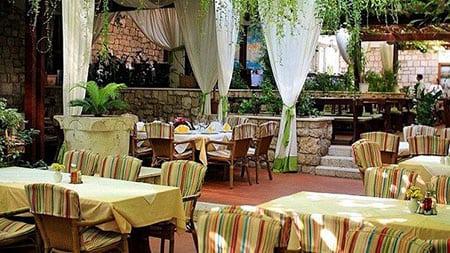 Хорватия - город Дубровник: рестораны и кафе