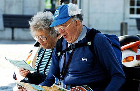 Заказываем авиабилеты для пожилых