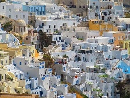 Греция, Фира: транспорт и жилье